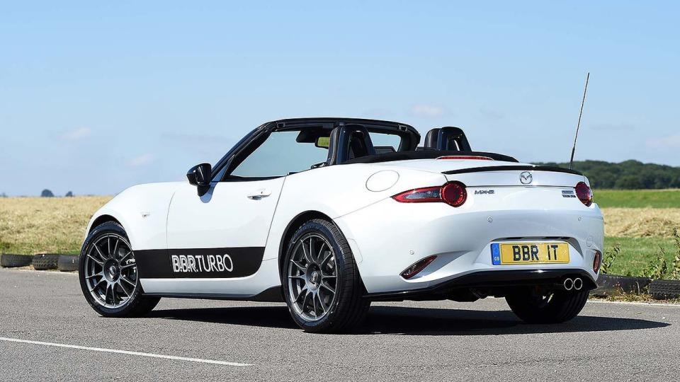 Британские тюнеры предложили владельцам Mazda MX-5 турбированный двигатель 1
