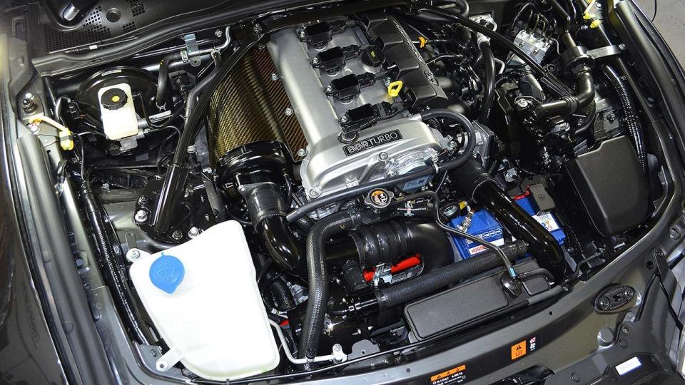 Британские тюнеры предложили владельцам Mazda MX-5 турбированный двигатель 2