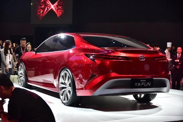 Toyota презентовала «веселый» концепт 3