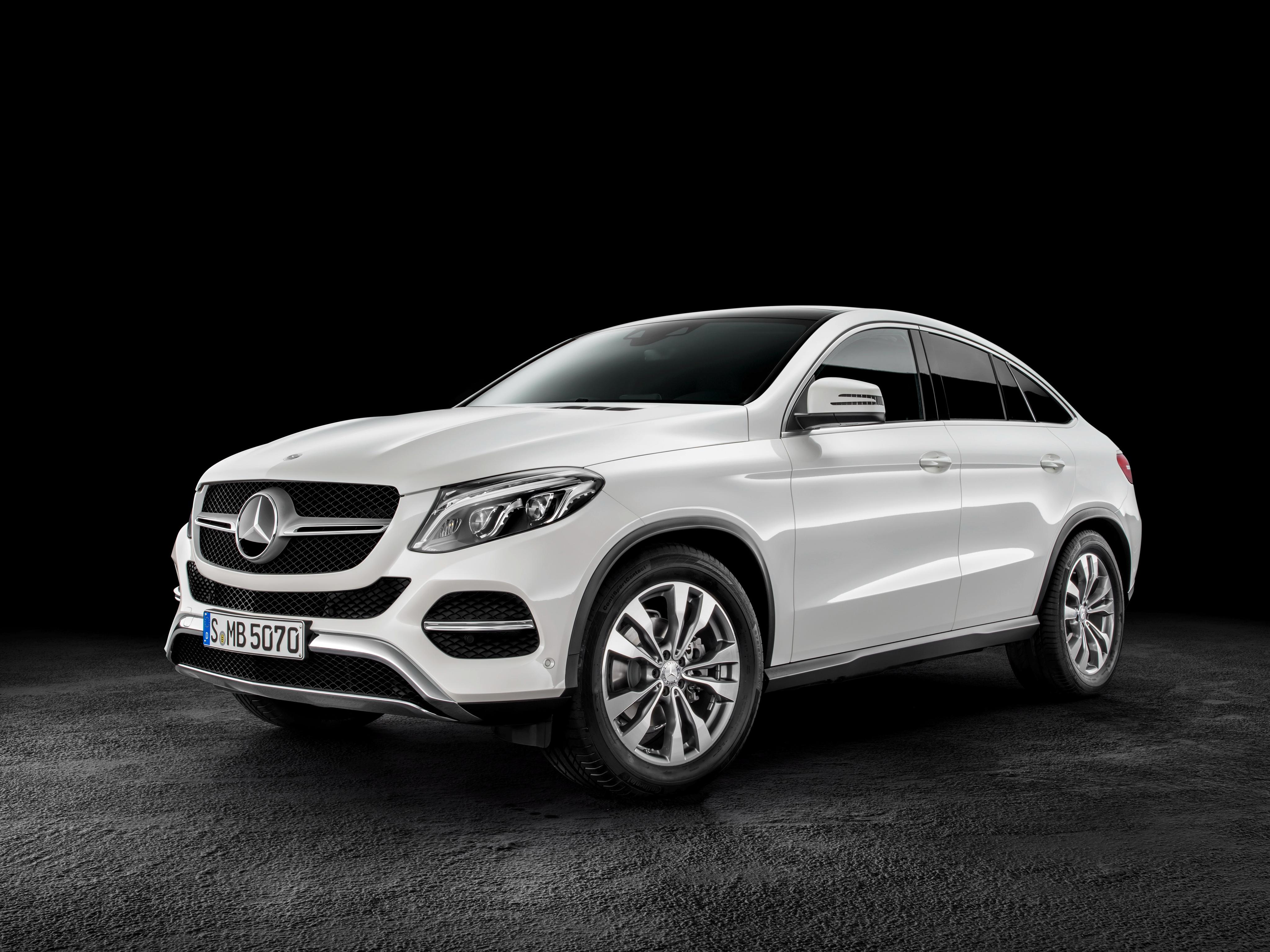 У кого из украинских министров самый роскошный автомобиль 2