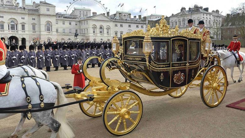 Президента США не пускают в королевскую карету 1