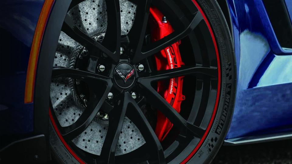Chevrolet выпустит пять «ностальгических» Corvette для японцев 2