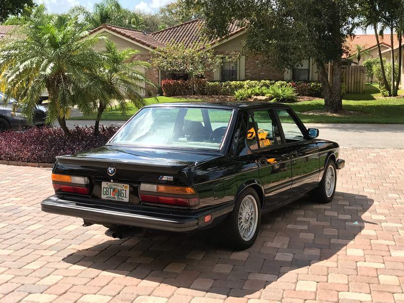 На аукцион выставили BMW «с секретом» 2