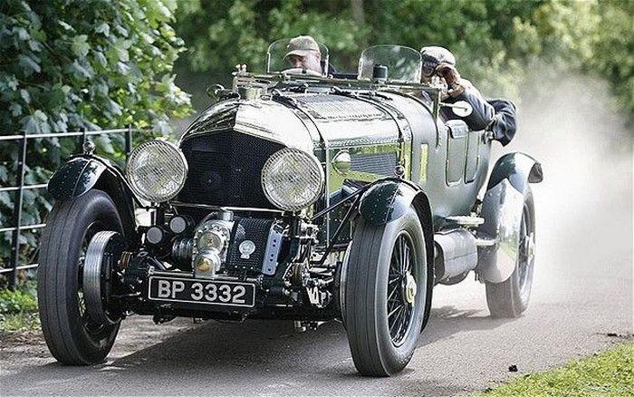 «Аукционный лот»: Bentley с двигателем от самолета 1