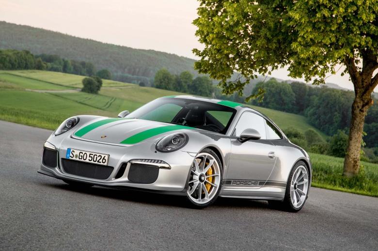 Зачем в компании Porsche следят за своими машинами 2