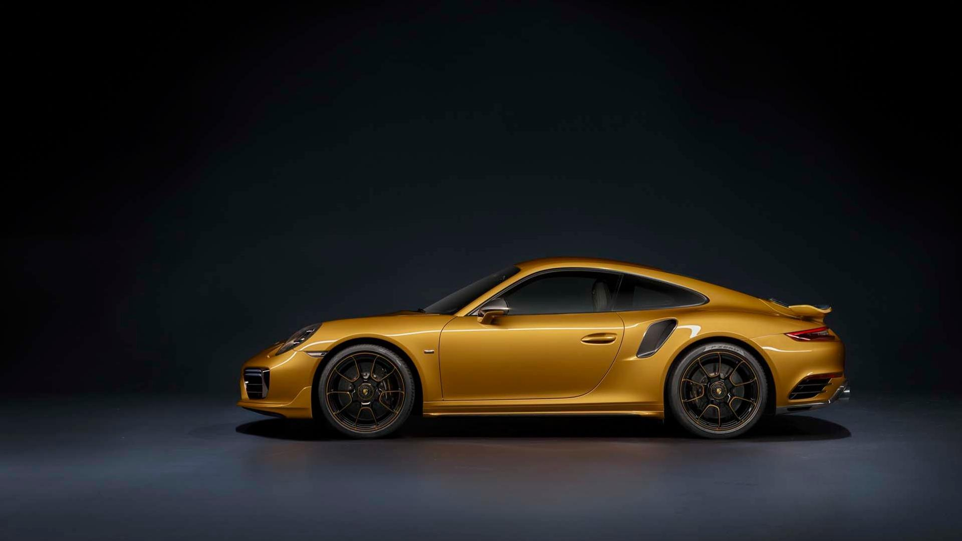 Porsche показала самую мощную версию 911 Turbo S 1