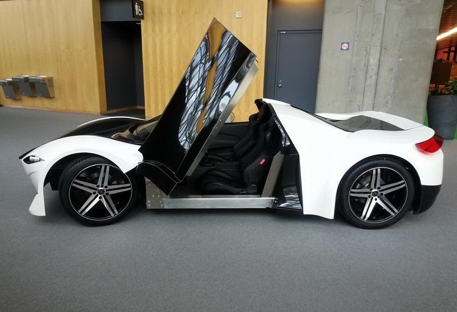 Канадцы выпустили первый серийный автомобиль 2