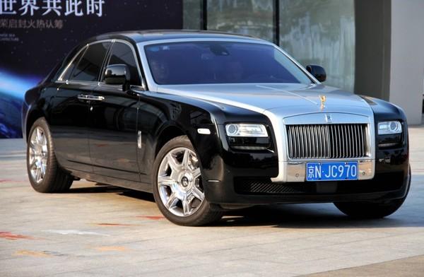Rolls Royce «специально для Джеки Чана» 1
