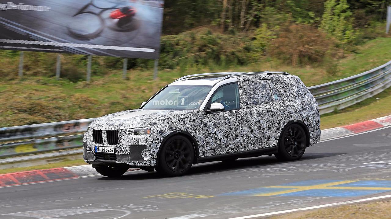 Огромный внедорожник BMW X7 покажут уже скоро 1