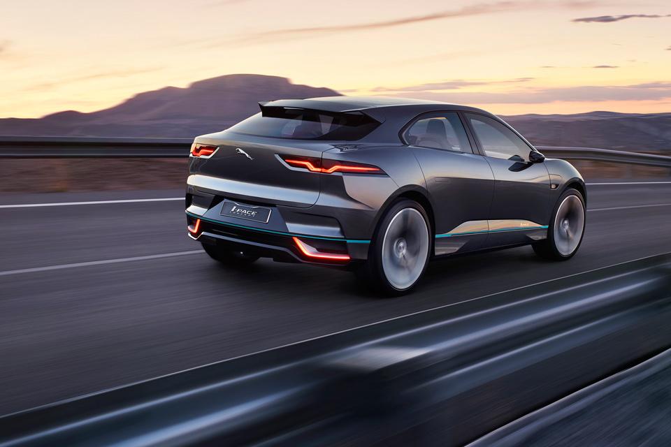 Руководство Jaguar проговорилось о своем электромобиле I-Pace 1