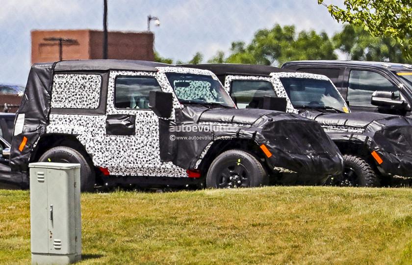 Новый двухдверный Jeep Wrangler тестируют бок о бок с открытой версией 1