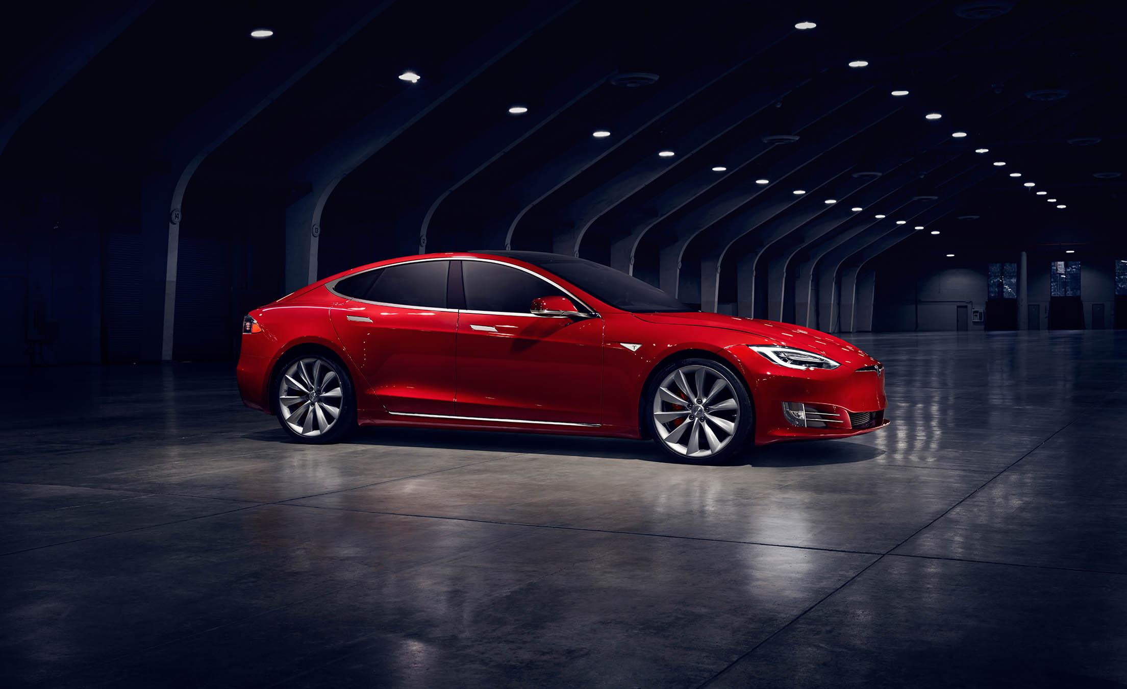 Глава Tesla «решил разогнать» Model S и Model X 1