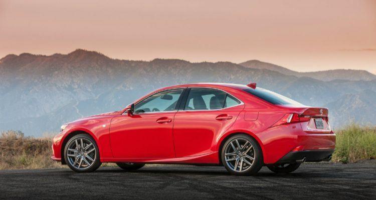 «Сложно найти к чему придраться»: тест-драйв Lexus IS200t turbo 2