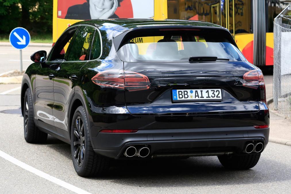Опубликованы первые фото нового Porsche Cayenne 2