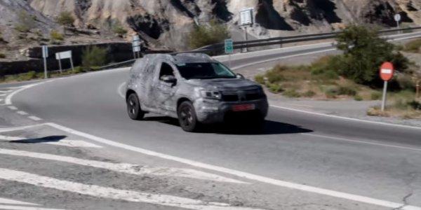 Шпионы засекли обновлённый Renault Duster 1