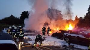 В Гамбурге перед саммитом G20 сожгли автосалон Porsche 1
