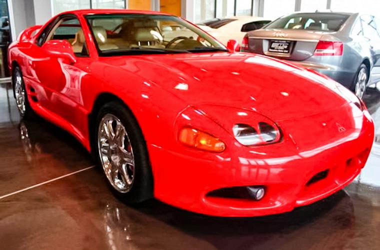 «Сошел с ума»: американец продает старый Mitsubishi за миллион долларов 1