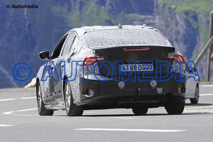 Папарацци засекли на дороге Ford Focus четвертого поколения 2