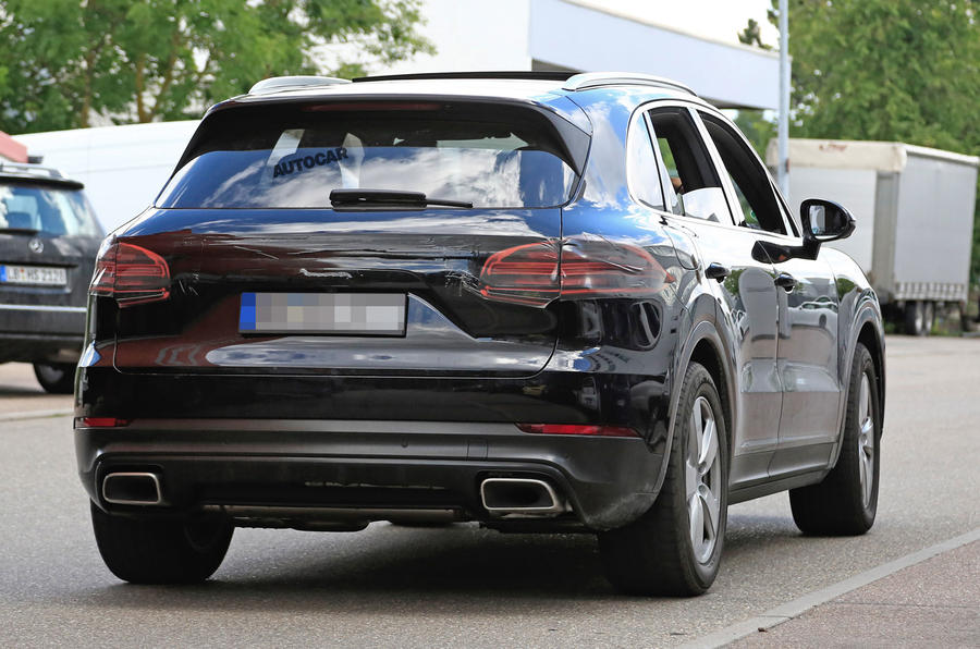 Папарацци засекли на тестах новый Porsche Cayenne 2
