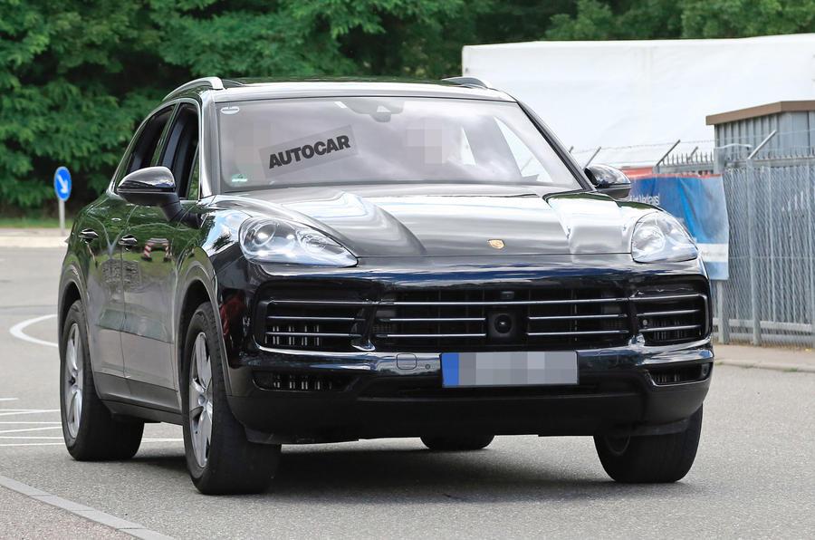 Папарацци засекли на тестах новый Porsche Cayenne 1