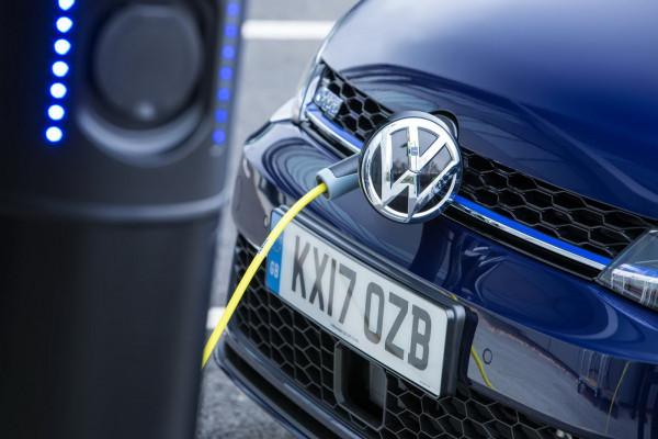 Новая модель VW Golf получит «злодейскую» кнопку 1