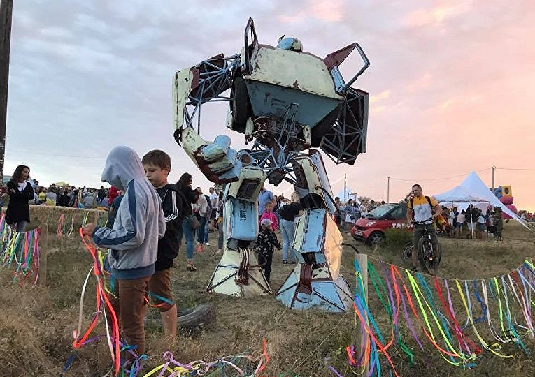 Украинец построил «Трансформера» из старого ЗАЗа 2