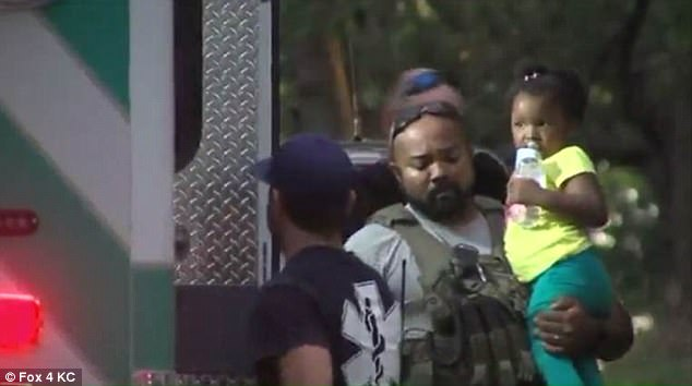Угнанный автомобиль с ребенком внутри обнаружили в лесу 2