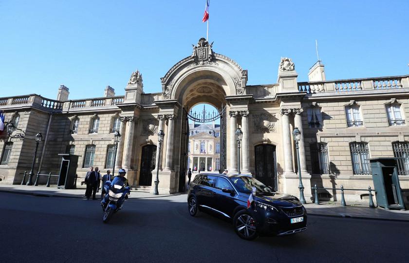 Президент Франции пересел на новый автомобиль 1