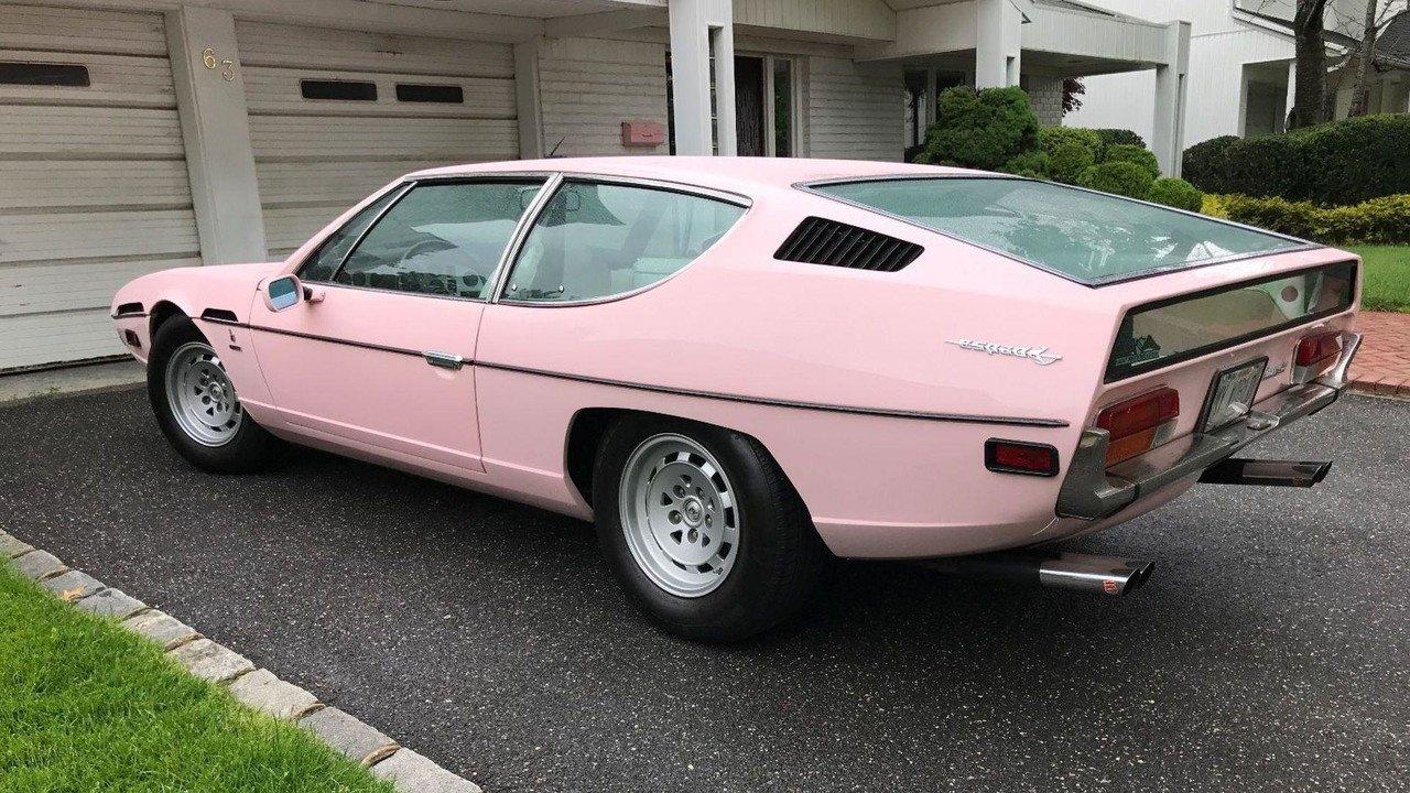 «Мечта блондинки»: на аукцион выставили розовый Lamborghini 1