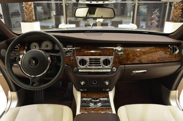 Марка Rolls-Royce создала модель Wraith только для «восточных» клиентов 2
