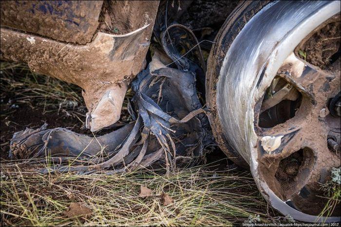 Что стало с Toyota Land Cruiser, проехавшем 70 км на трех колесах? 3