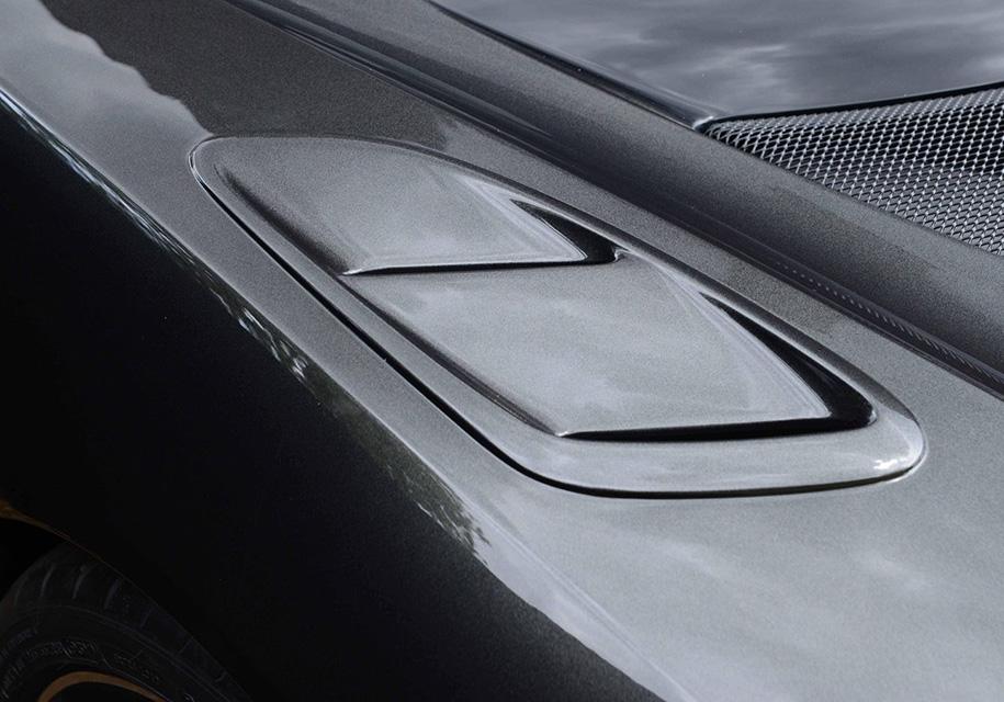 Компания Lotus построит суперкар со сквозным отверстием в бампере 1