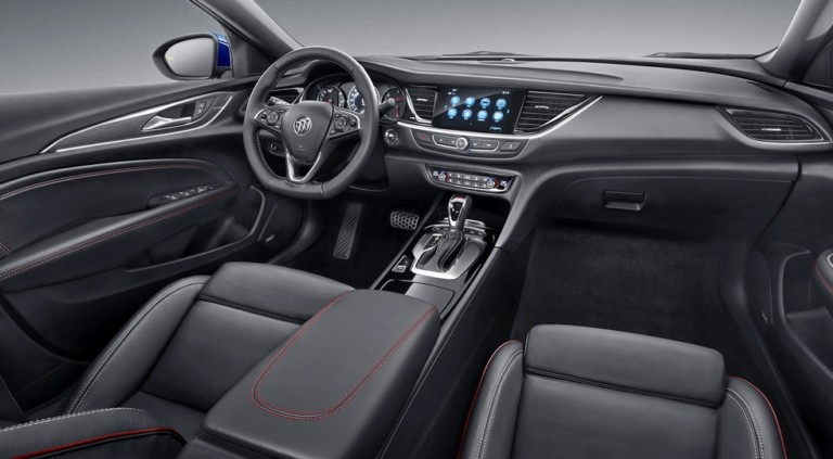 «Близнец» Opel Insignia обзавелся спортивной версией 1