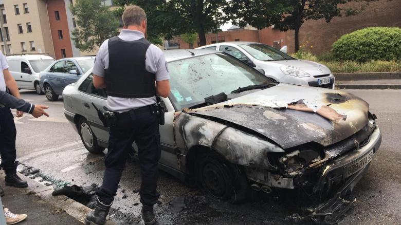 Во Франции «отметили праздник» поджогом 900 автомобилей 2