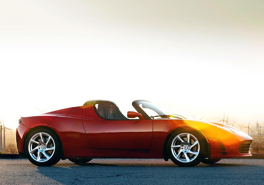 Самые ярые поклонники марки Tesla поборются за стопроцентную скидку на новый Roadster 1