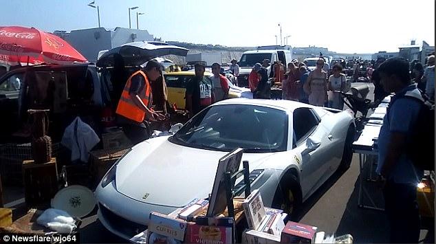 Владельца Ferrari повергло в шок от того, где утром оказался его суперкар 1