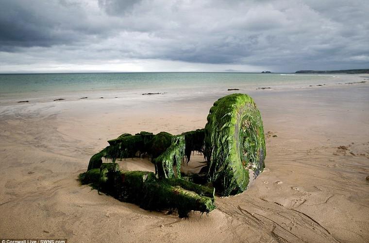 Подводный клад: Land Rover всплыл после десятилетий под водой 4