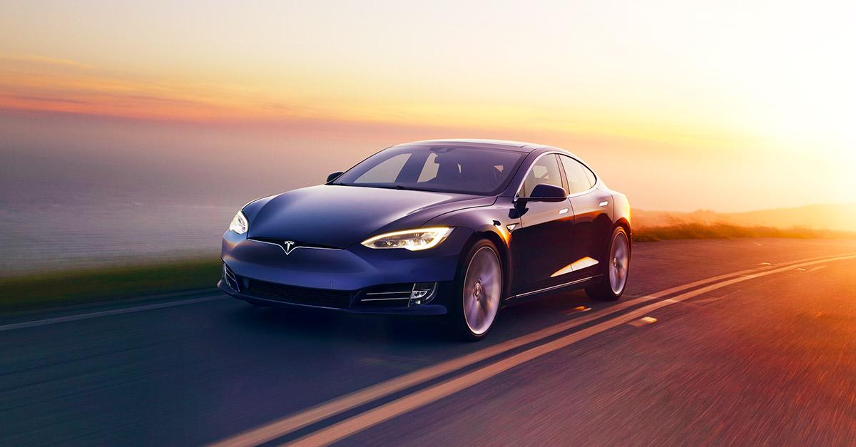 Продажи электрокаров Tesla упали до нуля 1