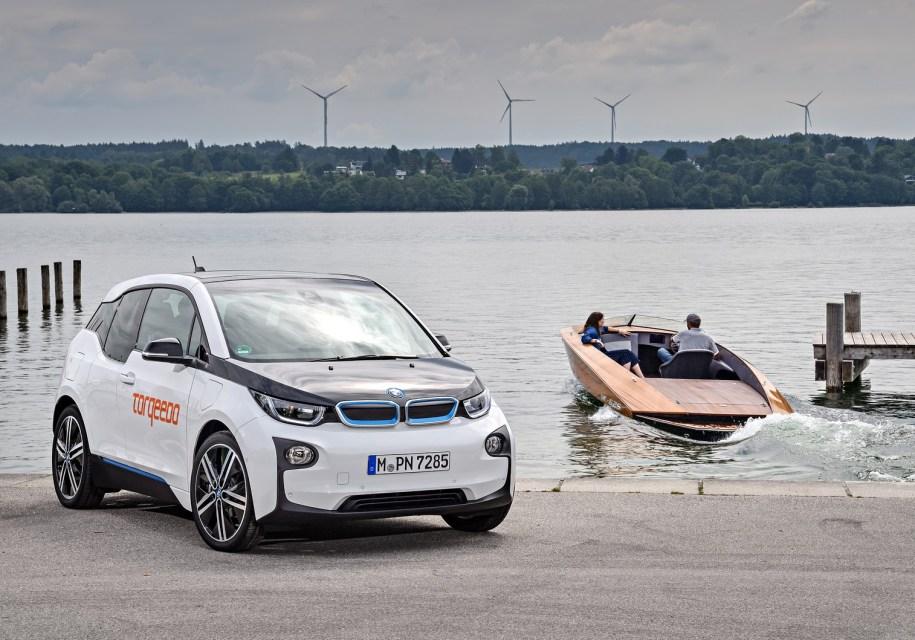 Электрокар BMW i3 будет «делиться» своими батареями с катерами 1