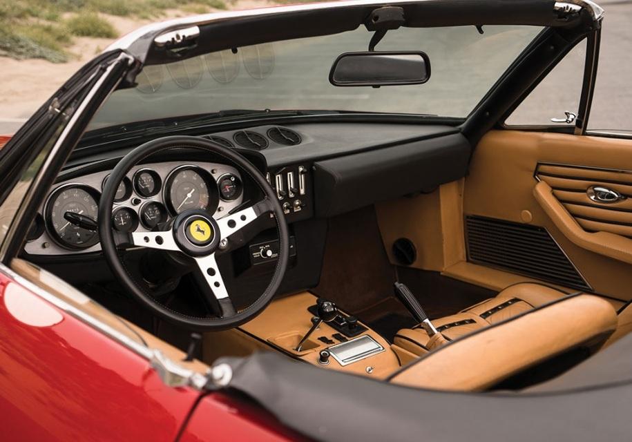 На торги выставили редкую Ferrari, которую два десятилетия прятали от людей 4