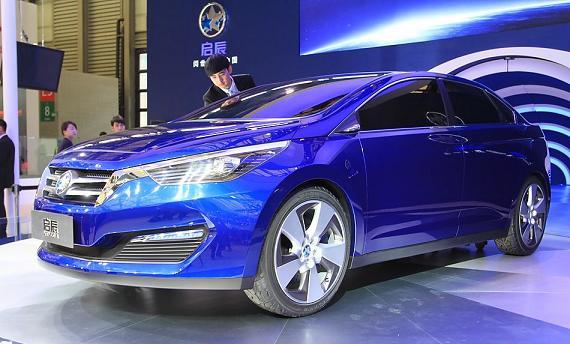 Компании-конкуренты договорились создать роскошный седан 1