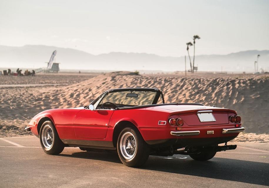 На торги выставили редкую Ferrari, которую два десятилетия прятали от людей 3