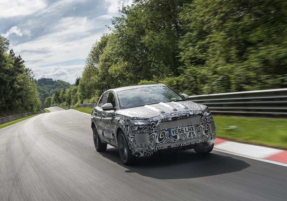 Бюджетный кроссовер Jaguar испытали на трассе 1