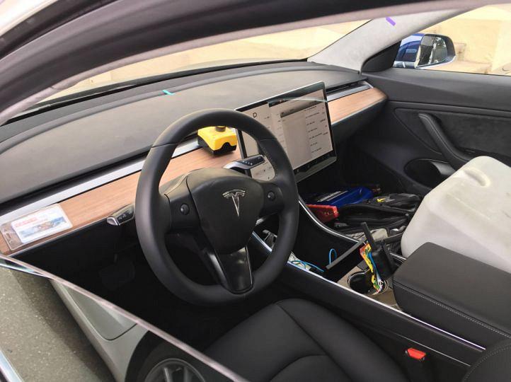 Объявлена дата выпуска самой доступной модели Tesla 2
