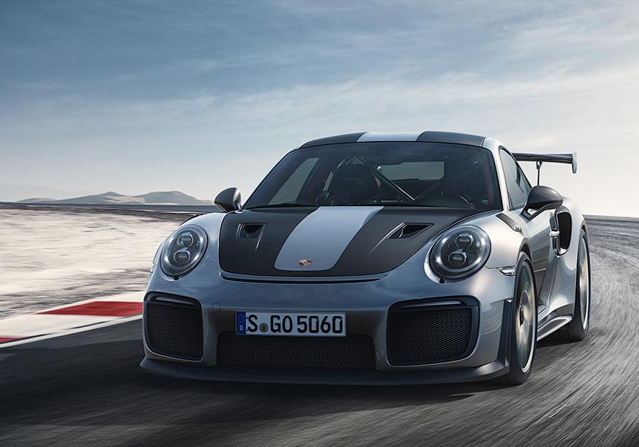 Представлен самый мощный в истории Porsche 911 1