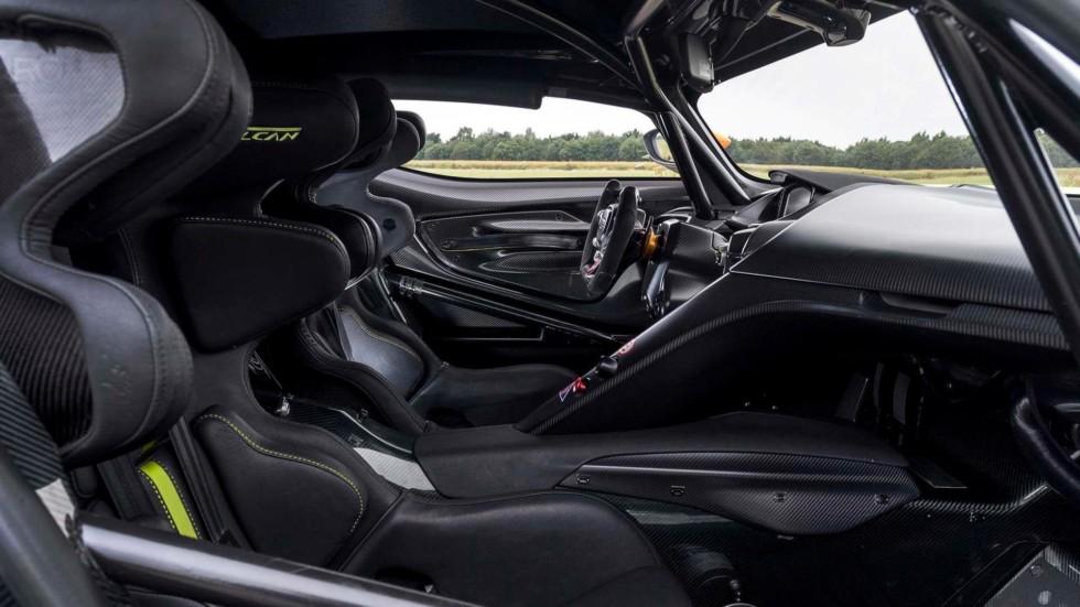 Aston Martin Vulcan станет еще экстремальнее 2