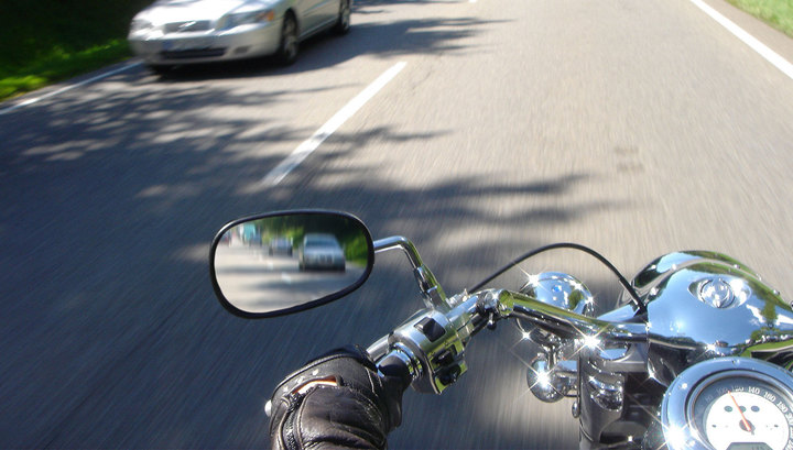 Мотоциклист заметил пропажу пассажирки через 40 км 1