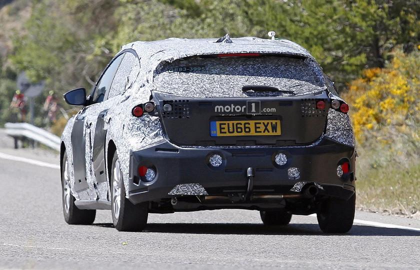 Шпионы изучили салон Ford Focus нового поколения 3