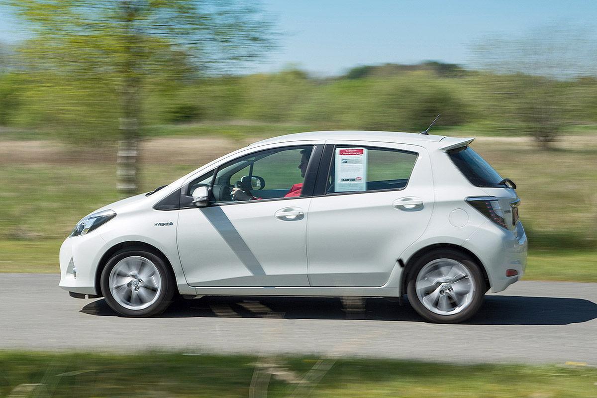 «Стильный, безопасный, но не практичный»: тест-драйв  Toyota Yaris Hybrid 3