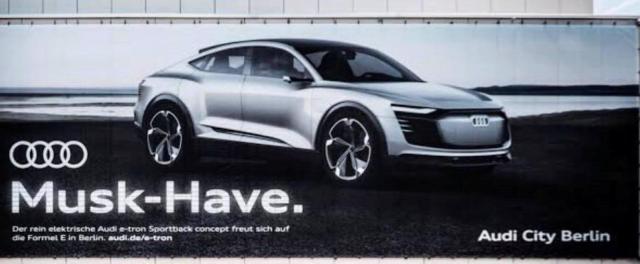 Audi затроллила «Теслу» с помощью билборда 1